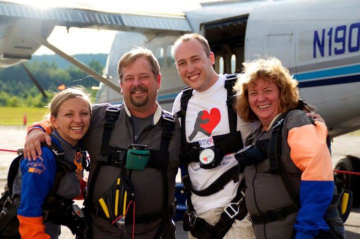 skydivers Nyrik Nick Mary AAwesome Kids org fundraiser